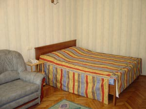 Furnished guest apartments in Kiev center. Comfort and hospitality. Reasonable prices. Competitive alternative to big hotels.